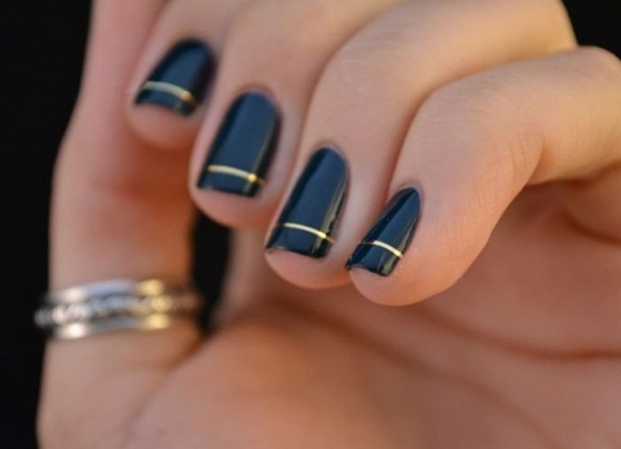 simple-black-nail-art